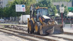 Remontują torowisko, na Okęcie dwukierunkowym tramwajem