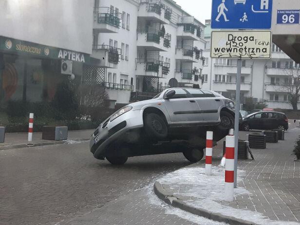 Nietypowe parkowanie na Ursynowie Krzysztof