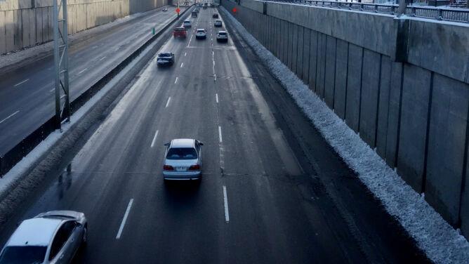 Przeważnie sucho na drogach - z niewielkim wyjątkiem