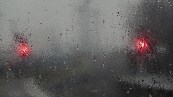 Drogi będą śliskie od deszczu