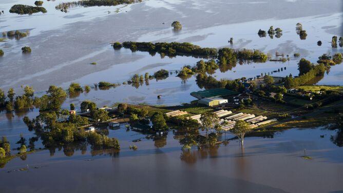 Tyle wody w rzekach nie widziano nawet od 100 lat. Ofiary śmiertelne powodzi w Australii