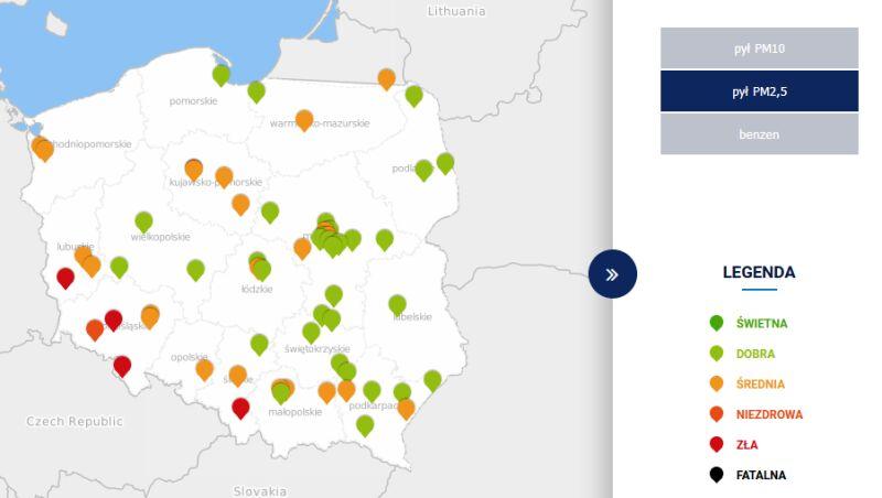 Stężenie pyłów PM2,5 w środę około 13 (tvnmeteo.pl za GIOŚ)
